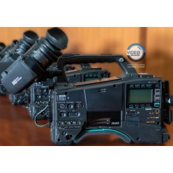 Panasonic AJ-PX800 - P2 HD Shoulder camcorder with accessories